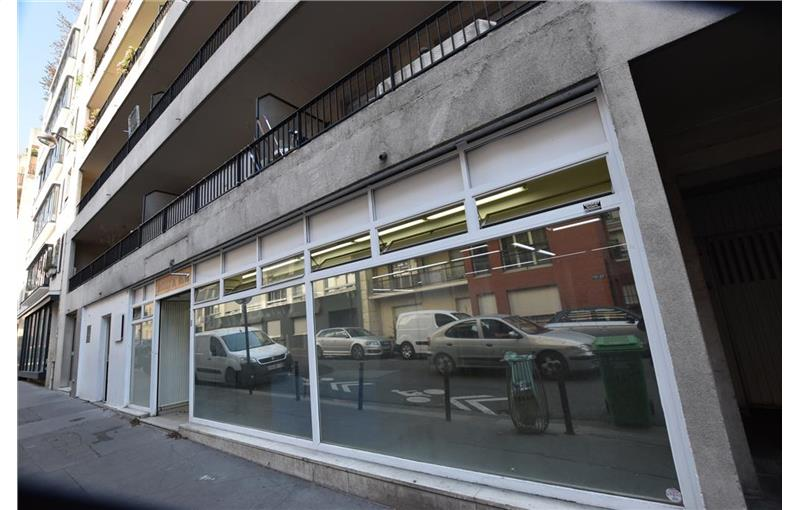 Vente Boutique 141 m² non divisibles